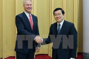 Chủ tịch nước Trương Tấn Sang  tham quan triển lãm ảnh của hãng thông tấn AP