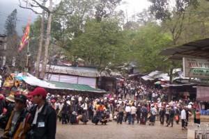 Nét mới Lễ hội Chùa Hương 2013