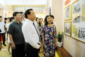 Kỷ niệm 70 năm Cách mạng Tháng Tám và Quốc khánh 2/9 Bí thư Thành ủy Hà Nội thăm nơi Bác Hồ viết Tuyên ngôn độc lập