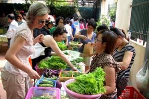 Chợ Tây họp sáng thứ bảy ở Hà Nội