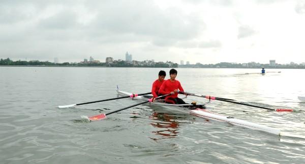 Các VĐV tại giải Rowing trẻ quốc gia 2016