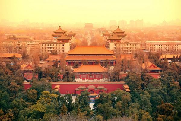 Một trong những tòa nhà nằm trong khuôn viên của Tử Cấm Thành (Trung Quốc), Bảo tàng Hoàng Cung có cấu trúc bằng gỗ tuyệt đẹp, và là một trong những viện bảo tàng có lượng khách tham quan nhiều nhất trên thế giới.