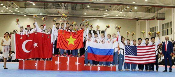 Taekwondo Việt Nam giành HCV nội dung đồng đội quyền sáng tạo dưới 17 tuổi