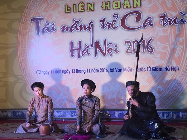 Phần dự thi Đào nương tài năng của thí sinh Vũ Thị Thùy Linh (CLB Ca trù Phú Thị)
