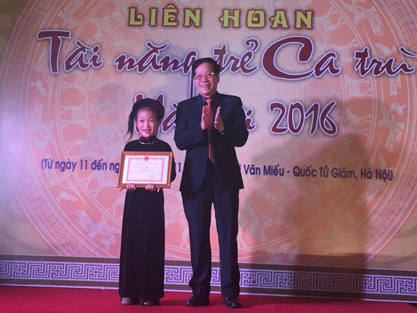 Giải thí sinh trẻ tuổi nhất: Nguyễn Thục Trinh (7 tuổi) (CLB Ca trù Lỗ Khê) đồng thời cũng đạt Giải B