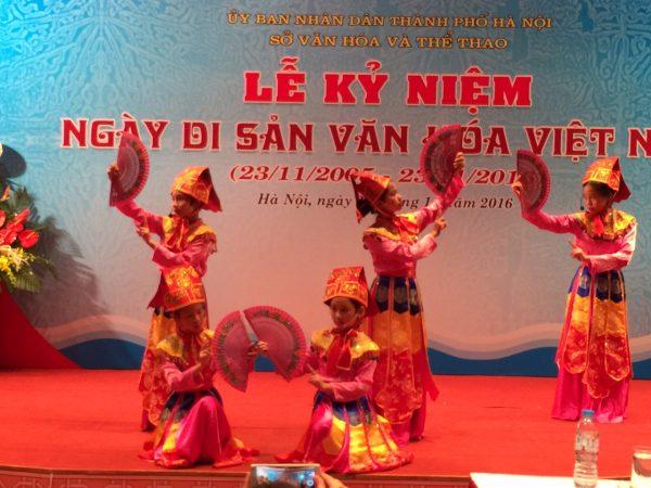 Biểu diễn Múa Bài bông tại Lễ kỷ niệm