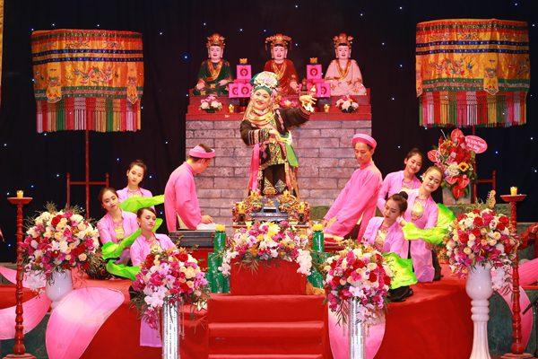 Nghi lễ hầu bóng trong tín ngưỡng thờ Mẫu của người Việt