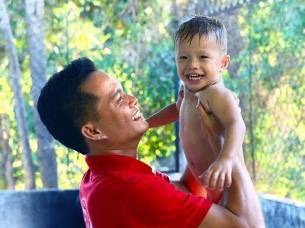 Cha và con - Một bức ảnh đẹp của cuộc thi Những ông bố Việt Nam - Nguồn: Internet