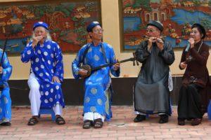 Gửi tình yêu vào những điệu múa, lời ca