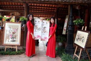 Triển lãm Thư pháp và Tranh thủy mặc tại hồ Văn – Văn Miếu