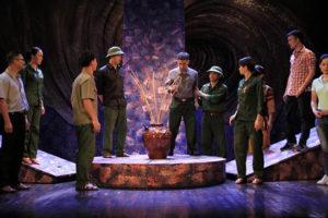 Nhà hát Kịch Việt tổ chức đêm diễn động viên tình thần NSND Anh Tú vượt qua trọng bệnh