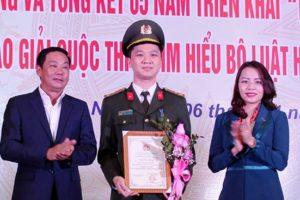 Hà Nội hưởng ứng và triển khai Ngày Pháp luật
