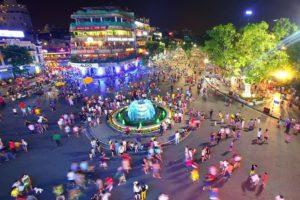 Nhiều hoạt động, sự kiện văn hóa và thể thao tại phố đi bộ hồ Hoàn Kiếm trong tháng 12