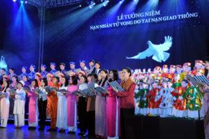"""Hà Nội hưởng ứng """"Ngày thế giới tưởng niệm các nạn nhân tử vong do tai nạn giao thông"""""""