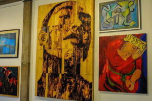 Nhiều cuộc triển lãm tại khu vục phố đi bộ Hồ Hoàn Kiếm
