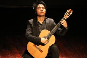 """Thưởng thức đêm độc tấu guitar của """"thần đồng âm nhạc"""" Trần Tuấn An tại Hà Nội"""