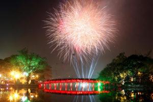 Hà Nội bắn pháo hoa đón Tết Kỷ Hợi 2019 tại 30 điểm