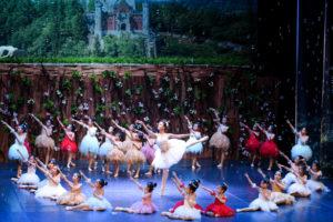 """Đêm công diễn đầu tiên của vở vũ kịch nhí """"Người đẹp ngủ trong rừng"""" hút khán giả Thủ đô"""