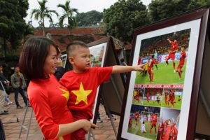 Sống lại những giây phút vỡ òa cùng đội tuyển Việt Nam