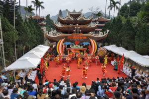 """Lễ hội chùa Hương 2019 với chủ đề """"Lễ hội kỷ cương – văn minh du lịch"""" đã chính thức khai hội"""