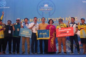 Lễ hội Bơi chải thuyền rồng Hà Nội 2019: Đội tuyển nam Lào và nữ Quảng Trị vô địch thuyền chuyên nghiệp