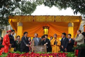 Lãnh đạo Thành phố dâng hương khai Xuân Kỷ Hợi 2019 tại Hoàng thành Thăng Long
