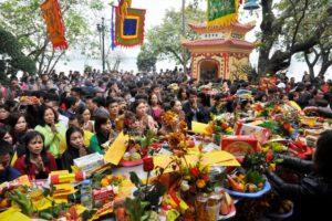Hà Nội nghiêm cấm cán bộ, công chức đi lễ hội trong giờ hành chính