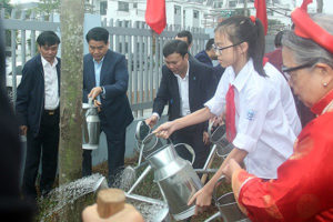Chủ tịch UBND TP Hà Nội dự Lễ phát động Tết trồng cây tại quận Nam Từ Liêm
