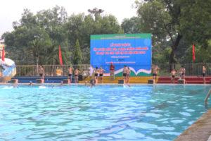 Sơn Tây phát động toàn dân tập luyện môn bơi phòng, chống đuối nước năm 2019