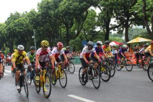 Hơn 300 cua rơ tranh tài tại Giải đua xe đạp Hà Nội mở rộng 2019