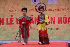 Khai mạc Tuần lễ di sản văn hoá Việt Nam tại hồ Văn (Văn Miếu-Quốc Tử Giám)