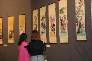 Trưng bày 50 bức tranh Hàng Trống của nghệ nhân Lê Đình Nghiên tại Bảo tàng Hà Nội