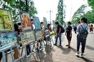 Tình yêu Hà Nội trong những bức tranh ký họa
