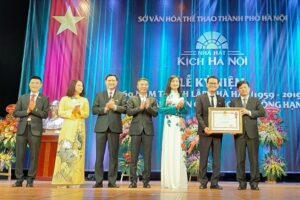 Nhà hát kịch Hà Nội kỷ niệm 60 năm thành lập và đón nhận Huân chương Lao động hạng Ba