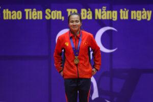 Sau SEA Games 30, lực sĩ Hà Nội Vương Thị Huyền tiếp tục giành Vàng ở giải VĐQG