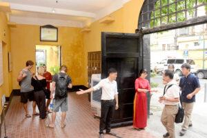 Tạm dừng đón khách tại nhiều di tích lịch sử – văn hóa tại Hà Nội