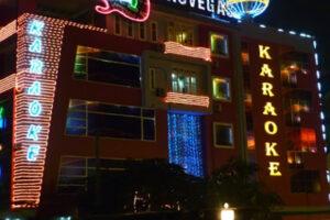 Yêu cầu tạm dừng hoạt động kinh doanh quán bar, karaoke vì dịch Covid-19
