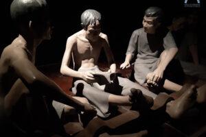 Trải nghiệm nhiều cung bậc cảm xúc tại Nhà tù Hỏa Lò về đêm