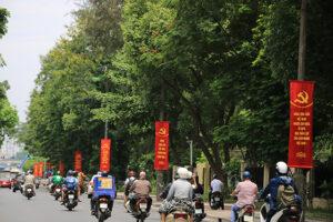 Hà Nội rực rỡ cờ hoa chào mừng Đại hội Đảng bộ các cấp nhiệm kỳ 2020-2025