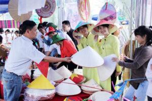 Huyện Thanh Oai tổ chức Hội chợ Du lịch làng nghề truyền thống và sinh vật cảnh huyện chào mừng Đại hội Đảng các cấp