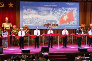 Trưng bày hơn 200 tài liệu, hình ảnh chuyên đề 'Việt Nam – Độc lập, tự cường'