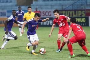 Bóng đá Việt Nam trở lại thi đấu vào tháng 9 sau hai lần bị gián đoạn bởi dịch Covid-19