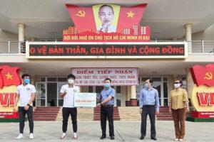Các cầu thủ tuyển Việt Nam chung tay chống dịch Covid-19