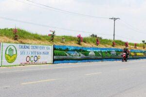 Phúc Thọ rực rỡ với con đường bích họa dài nhất Hà Nội