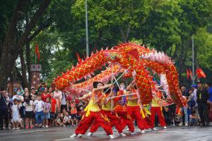 Đặc sắc nhịp điệu múa rồng kỷ niệm 1010 năm Thăng Long – Hà Nội