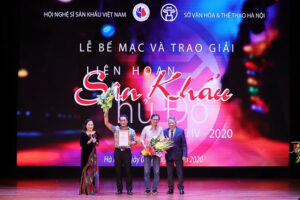 Bạch đàn liễu và Người tốt nhà số 5 giành giải Vàng Liên hoan sân khấu Thủ đô lần thứ IV-2020