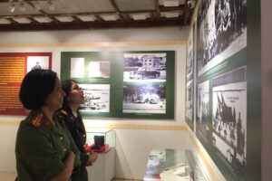 Trưng bày hơn 300 hình ảnh, hiện vật về cuộc đời và sự nghiệp của Đại tướng Lê Đức Anh