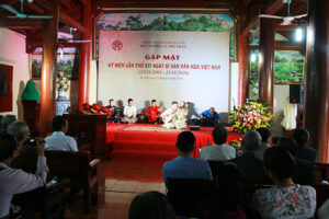 Gặp mặt các nghệ nhân, những người làm di sản nhân kỷ niệm 15 năm ngày Di sản văn hóa Việt Nam