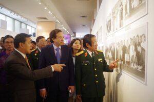 Khẳng định mối quan hệ đặc biệt giữa hai dân tộc Việt Nam – Lào