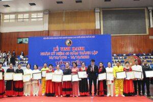 Vinh danh 45 năm ngày thành lập Hội Sức khỏe ngoài trời người trung cao tuổi TP Hà Nội